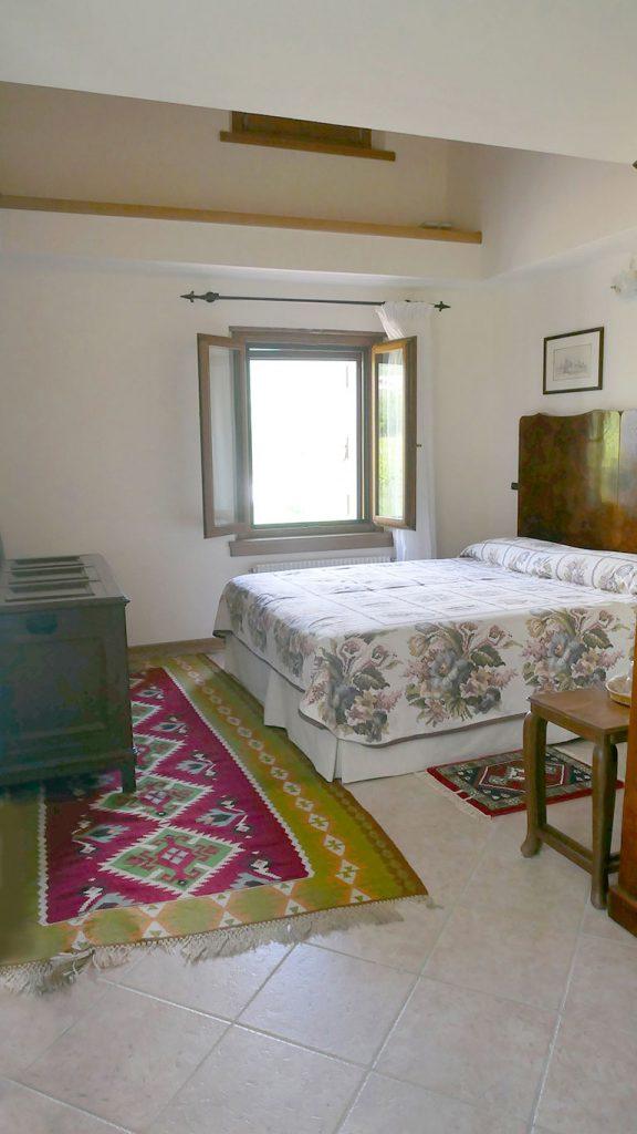 Holiday House Villa Salvador double room 02